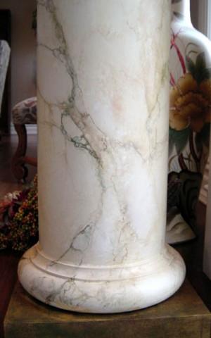 Cột đá